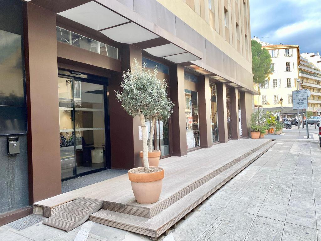 Hôtel KYRIAD Nice Port ***